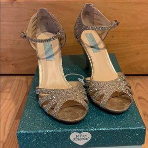 Betsey Johnson SB-Sweet Champ Fab heels - Sz 6